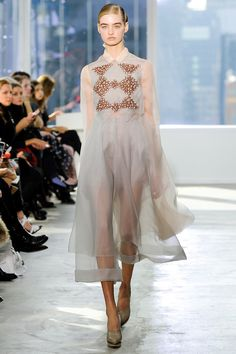 Delpozo Fall/Winter 2014 Ready-to-Wear Collection, would totally buy as this is so pretty but can't afford  ❤️❤️
