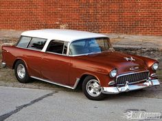 I also owned one of these, without the headlight browss - like this one. Such a clean mid-'50's style! '55 Chevy Nomad