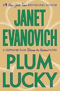 PLUM LUCKY Janet Evanovich A Stephanie Plum Between-the-Numbers Novel $5.88
