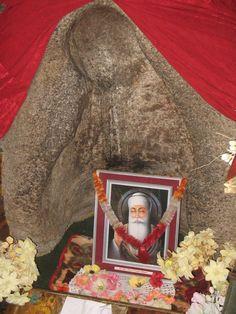 See the image of gurunanak dev ji in the Rock. This is pathar sahib gurudwara on Leh-srinagar highway, close to leh city.