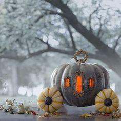 HALLOWEEN DECOR : Creative Pumpkin-Carving Ideas: Cinderella's Pumpkin Carriage (Source : http://ideas.hallmark.com/articles/halloween-ideas/pumpkin-carving-ideas/)