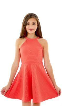 Mezuniyet Elbise Modelleri Turuncu Kısa Halter Yaka Çizgili Kumaş