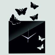 Design Wanduhr weiße und schwarze Schmetterlinge strömen.