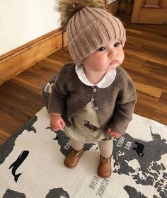 a baby alive Cool Baby, Cute Baby Boy, Cute Little Baby, Baby Kind, Cute Baby Clothes, Cute Kids, Little Babies, Cute Baby Videos, Cute Baby Pictures