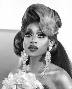 Black Wedding runway 📸: Guys and Queens Rupaul Drag Queen, Classic Portraits, Wedding Quote, Drag King, Drag Makeup, Celebrity Dads, I Icon, David Beckham, Chris Hemsworth
