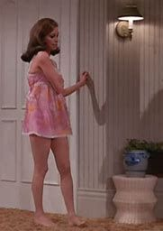 Image Result For Mary Tyler Moore Hot Mary Tyler Moore Mary Tyler Moore Show Hottest Female Celebrities