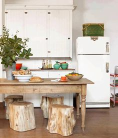 I don't need a fancy island or a gourmet kitchen, this would do perfectly :)