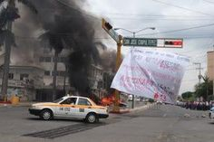 #SOSPORMÉXICO #FreeNestora. Profesores queman papelería y mobiliario del INE en Chiapas http://ift.tt/1FvqKdZ