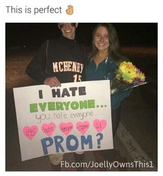 21 Insanely Cute Promposals No One Could Resist (Slide - Offbeat Cute Homecoming Proposals, Formal Proposals, Homecoming Ideas, Homecoming Dresses, Cute Relationship Goals, Cute Relationships, Relationship Texts, Invitation Au Bal, Cute Promposals