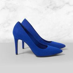 For all the dancing and prancing you'll be doing this season. New Years Eve looks. A Christian Siriano chic upper with a trendy pointed toe on 3 wrapped heel. Blue Pumps, Women's Pumps, Pump Shoes, Shoes Heels, Elite Clothing, Dress And Heels, Dress Shoes, New Year's Eve Looks, Sparkle Shoes