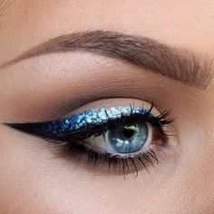 Lime crime // makeup // Batalash beauty // eyeliner // blue sliver