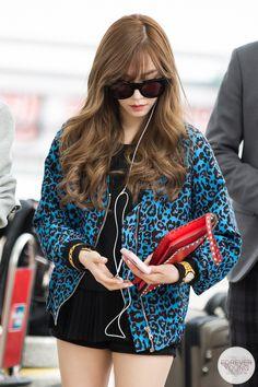 Tiffany at Incheon Airport To Malaysia for Post-Race Concert Korean Airport Fashion, Korean Girl Fashion, Asian Fashion, Girls' Generation Tiffany, Girls Generation, Snsd Tiffany, Tiffany Hwang, Snsd Fashion, Asian Hair