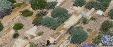 Crevice Gardens - How to rock garden. needs great drainage, and some rain. The Denver Botanic Garden's Crevice Rock Gardens http://www.highcountrygardens.com/gardening/rock-gardening-creating-a-crevice-garden/ #rockgarden #crevicegarden #plantingtechniques