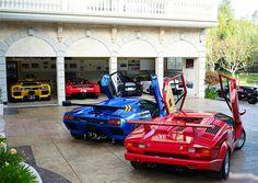 El garaje: Tengo muchos carros.