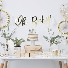 OH Baby Building Blocks Guest Book Baby Shower Each pack contains 6 blocks measuring (Squared) each.Wooden build a block baby shower guest book, the perfect keepsake for the lovely baby shower memories. Baby Shower Verde, Décoration Baby Shower, Classy Baby Shower, White Baby Showers, Baby Shower Balloons, Baby Shower Parties, Baby Shower Neutral, Simple Baby Shower, Natural Baby Showers