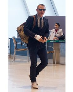 Wish we could all look this good just walking through the airport!