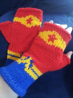Knitting Pattern for Wonder Woman inspired Fingerless Mitts / Gloves tba super hero Knit Mittens, Knitted Gloves, Knitted Beanies, Knitting Charts, Knitting Patterns, Scarf Patterns, Easy Knitting, Creative Knitting, Fingerless Mitts