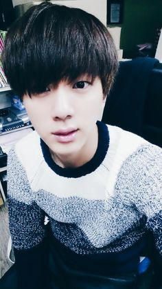 Jin stop being so cute! JK why u so CUTE! ❤️ #BTS #Jin #Cutie