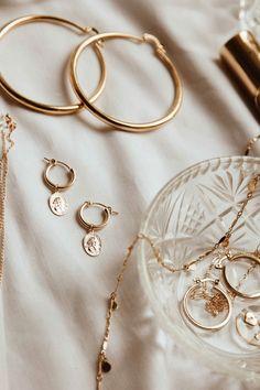 Gold jewels by S-kin Studio Jewelry / Minimal jewellery that is gold filled,. - Gold jewels by S-kin Studio Jewelry / Minimal jewellery that is gold filled, tarnish resistant - Dainty Jewelry, Cute Jewelry, Jewelry Accessories, Fashion Accessories, Women Jewelry, Gold Filled Jewelry, Photo Jewelry, Vintage Accessories, Cream Aesthetic