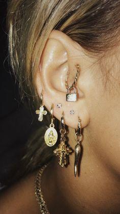 Textured Gold Bar Studs- minimal earrings/ bar studs/ staple studs/ minimalist modern studs/ line earrings/ geometric studs/ gifts for her – Fine Jewelry Ideas Related posts:cute multiple ear piercing ideas for women crystal flower. Ear Jewelry, Cute Jewelry, Jewelry Accessories, Women Jewelry, Jewelry Ideas, Jewlery, Fashion Jewelry, Gold Jewelry, Dainty Jewelry