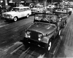 1964 Assembly Line at Jeep Parkway, Toledo, Ohio  #JeepHeritage    Naples Dodge Chrysler Jeep Ram  www.naplesdodge.com