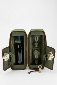 Wine Purses With Hidden Spout Wine Purse Bladder Wine Purse, Wine Tote Bag, Green Grapes, Bottle Stoppers, Wine Drinks, Beverages, Wine Tasting, Red Wine, Jute