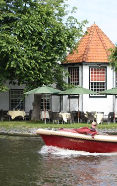 Fine dining along the water in Voorschoten (Ntherlands) at Restaurant Allemansgeest, classic French cuisine