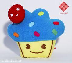 Aquí está el peluche de #ÑamÑam un Cupcake de tela para nuestro evento organizado por @Titubear y @mimositos_