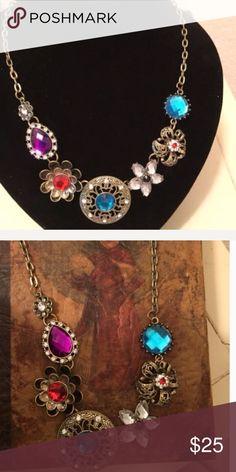 🔵 Floral Statement Necklace 🔵 Floral Statement Necklace Jewelry Necklaces