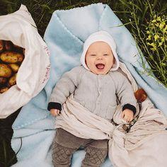 The biggest helper yesterday while we were harvesting our potatoes  #growyourown #organic #wildandfreekids #wildandfreechildren #sakurabloom #sakurabloomsleepydust