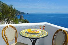 """Hotel: Locanda Costa Diva in Praiano – Terrasse """"a picco sul mare"""". www.amalfi-ferien.de"""