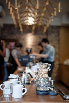 Stumptown Coffee brew bar, Chelsea / The Village, NYC I Love Coffee, Coffee Break, My Coffee, Morning Coffee, Chemex Coffee, Coffee Barista, Coffee Corner, Brew Bar, Coffee Culture