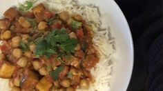 Cari au tofu fumé et aux pois chiche Quebec, Vegan Dinners, Chana Masala, Vegetarian Recipes, Ethnic Recipes, Main Courses, Vegetarische Rezepte, Food Recipes, Drinks