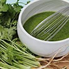 Receta de Aderezo light de cilantro y aguacate para ensaladas verdes.