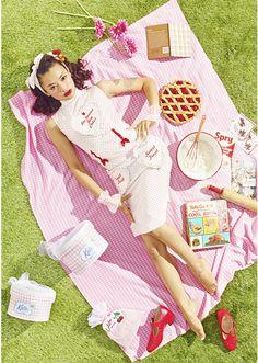 Tiffany Cadillac Rocks Pin-Up Style For Japanese Brand Katie. Photoshoot Themes, Photoshoot Inspiration, Fashion Inspiration, Up Girl, Pink Girl, Picnic Fashion, Wedding Art, Pin Up Style, Black Models