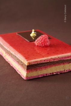 Red OperaSource From Red Opera cake with no tips.