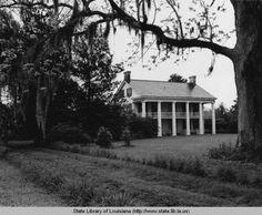 Magnolia Ridge plantation home in Washington Louisiana in the 1970s :: State Library of Louisiana Historic Photograph Collection
