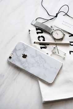 White Marble Skin + Case iPhone , Apartment - Wanderer Wanderer, Wanderer Wanderer