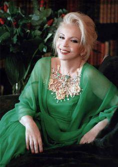 Δείτε σπάνιες φωτογραφίες της λαμπερής πρωταγωνίστριας Νόνικας Γαληνέα!