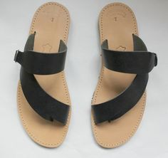 Mens greek handmade sandals/slides  *Handmade 100% *Genuine leather *Rubber sole  ♥Do you want them studded? Add and this to your cart!!!