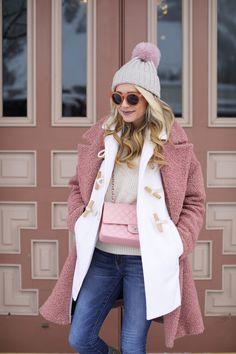Blush for winter // Wearing a topshop coat, toggle coat, chanel bag and denim in aspen #aspen #skiseason #whattowear