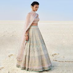 Top Designer Pick-Ups from Lakme Fashion Week Eventila Anita Dongre's latest spring summer collection is all set to rule hearts like anything. Take a look at some of our favorites which you can wear this wedding season! Dress Indian Style, Indian Dresses, Indian Attire, Indian Ethnic Wear, Indian Bridal Outfits, Indian Designer Suits, Lakme Fashion Week, India Fashion Week, Bridal Fashion Week