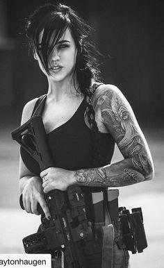 #armedanddangerous #girlswithguns #womenwarriors Military Guns, Military Women, Assault Rifle, Assault Weapon, Girl Tattoos, Tattoos For Women, Tatoos, Alex Zedra, Female Soldier