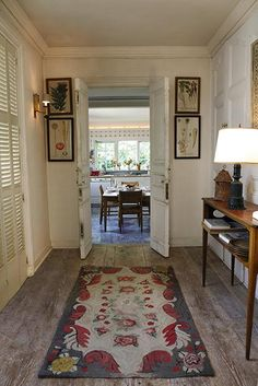 Found in paintings, drawings, and ceramics, vegetables are a common motif in pieces at Bunny Mellon's Oak Spring Farm. Bunny Mellon, Garden And Gun Magazine, Interior Decorating, Interior Design, Decorating Ideas, Craft Ideas, Book Corners, Hearth And Home, Entry Hall