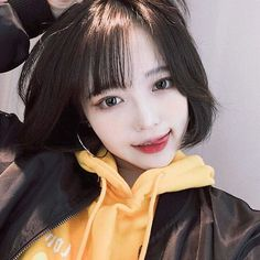 Shared by 최희주. Find images and videos about girl, asian and ulzzang on We Heart It - the app to get lost in what you love. Pretty Korean Girls, Cute Korean Girl, Beautiful Asian Girls, Ulzzang Short Hair, Korean Short Hair, Choi Hee, Korean Beauty Girls, Uzzlang Girl, Face Hair