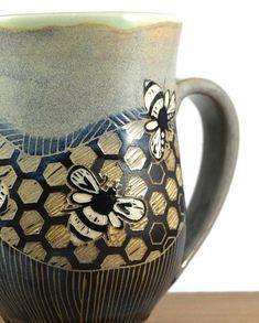curvy bee mug *** Made to Order