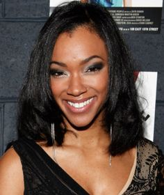 'Walking Dead' actress Sonequa Martin-Green joins 'Once Upon a Time' cast in mystery role Black Actresses, British Actresses, Justin Green, Sasha Williams, Laurie Holden, Sonequa Martin Green, Sarah Wayne Callies, Melissa Mcbride, The Walking Dead 3