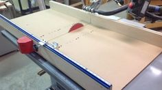Table Saws Shannon shares his design ideas for a Table Saw Sled. Woodworking Table Saw, Jet Woodworking Tools, Essential Woodworking Tools, Woodworking Workshop, Woodworking Projects, Wood Projects, Woodworking Store, Table Saw Sled, Table Saw Jigs