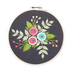 Beginner Flower DIY Hand Embroidery Kit Printed Pattern + Hoop Art Home Decor Gift Hand Embroidery Flowers, Modern Embroidery, Embroidery Hoop Art, Ribbon Embroidery, Floral Embroidery, Beautiful Flower Designs, Diy Flowers, Flower Diy, Diy Kits