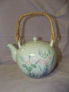 lovely vintage teapot